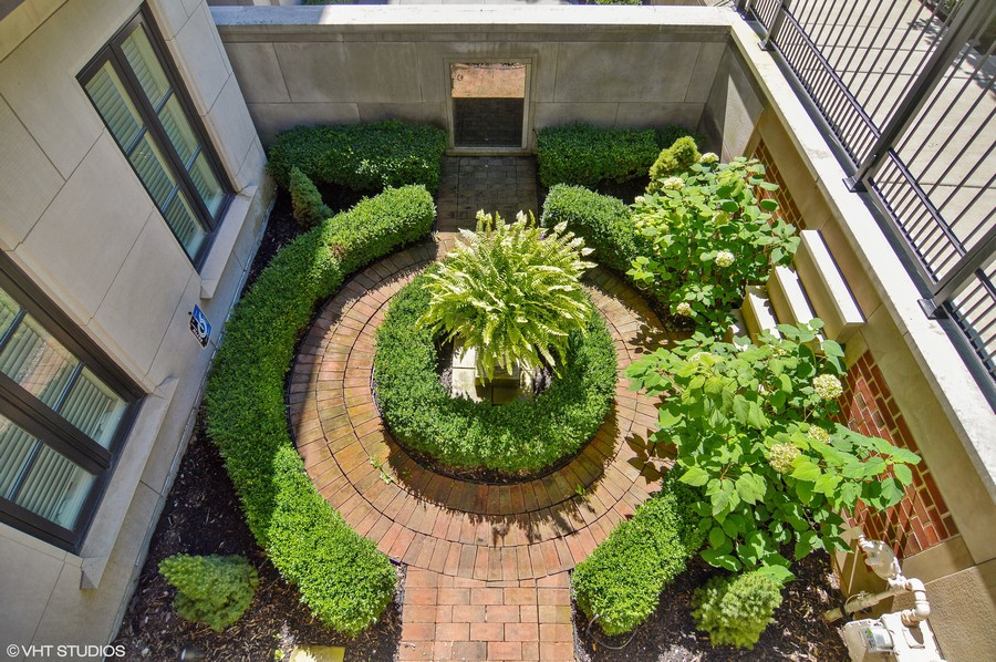 Real Estate Photography - 1705 N Dayton, Chicago, IL, 60614 - Courtyard