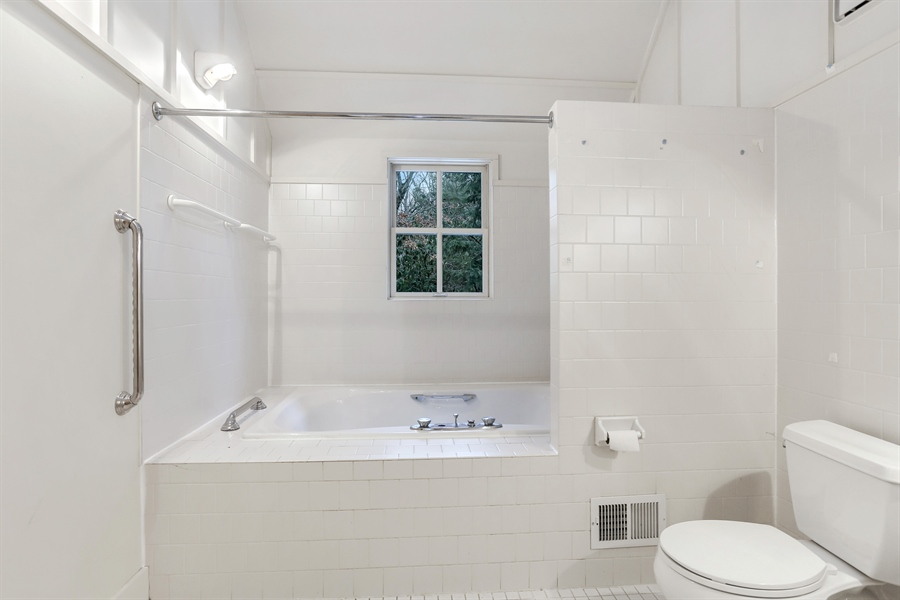 Real Estate Photography - 14805 Lakeside Road, Lakeside, MI, 49116 - Master Bathroom