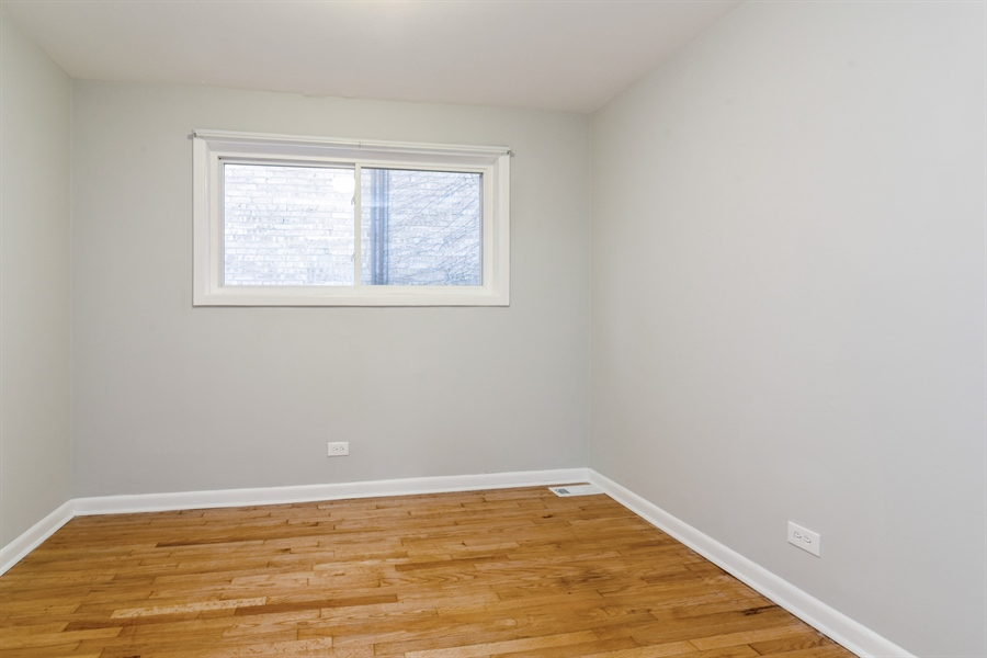 Real Estate Photography - 6140 N Winthrop, Unit D, Chicago, IL, 60660 - 2nd Bedroom
