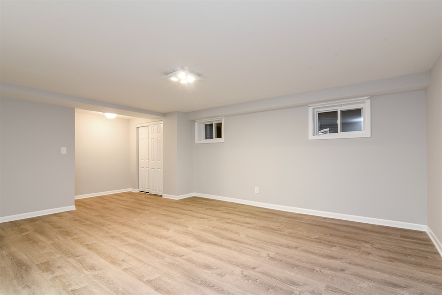 Real Estate Photography - 6140 N Winthrop, Unit D, Chicago, IL, 60660 - Lower Level