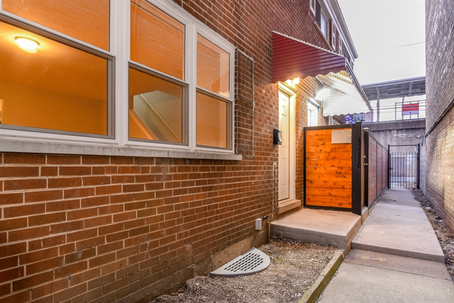 Real Estate Photography - 6140 N Winthrop, Unit D, Chicago, IL, 60660 - Front View