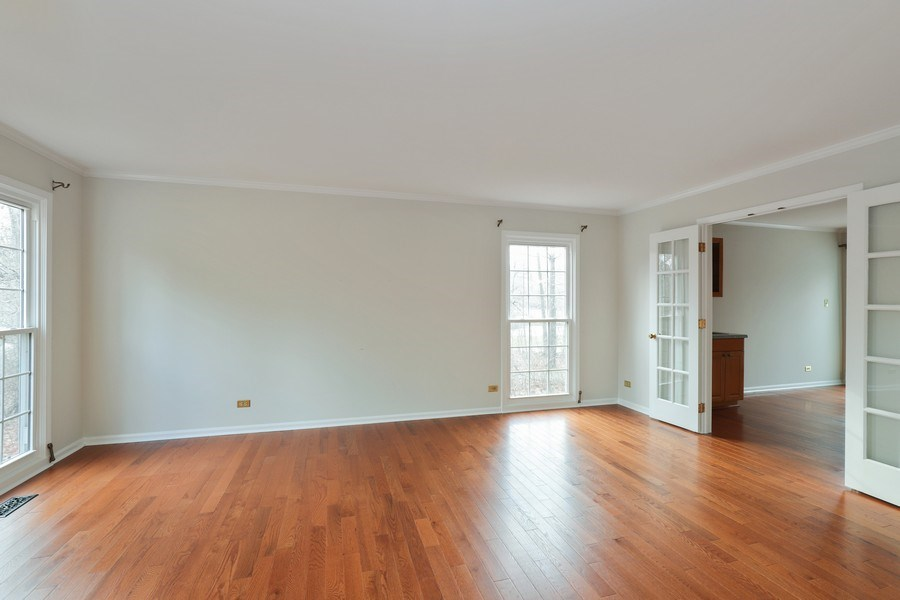 Real Estate Photography - 217 ascot ct, Lake bluff, IL, 60044 - Living Room