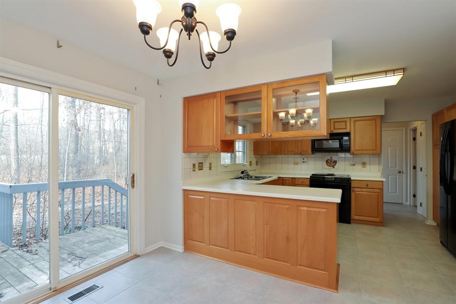 Real Estate Photography - 217 ascot ct, Lake bluff, IL, 60044 - Kitchen