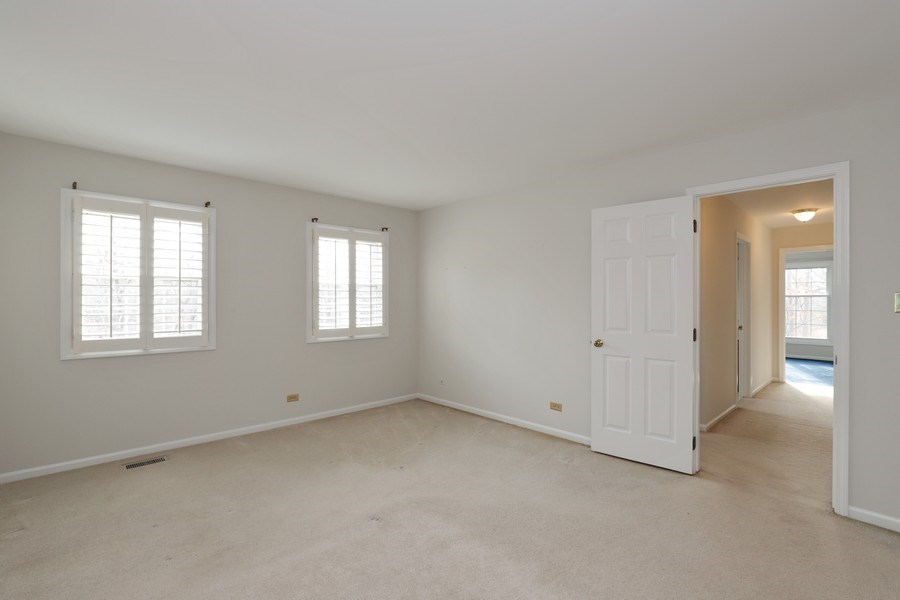 Real Estate Photography - 217 ascot ct, Lake bluff, IL, 60044 - Master Bedroom
