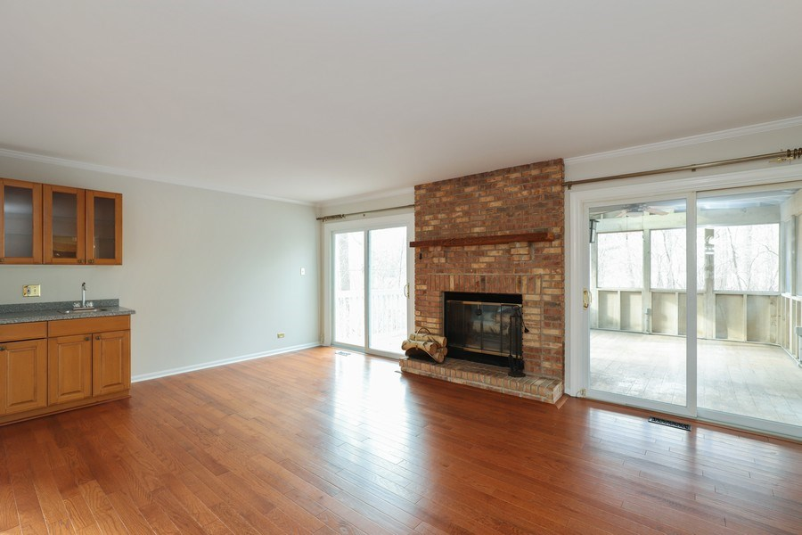 Real Estate Photography - 217 ascot ct, Lake bluff, IL, 60044 - Family Room