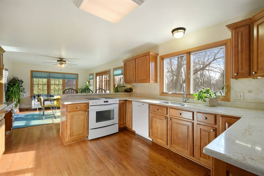 Real Estate Photography - 317 Appley Avenue, Libertyville, IL, 60048 - Kitchen / Breakfast Room