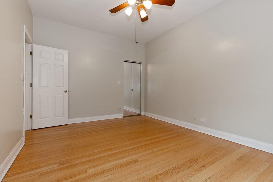Real Estate Photography - 652 Aldine, #2, Chicago, IL, 60657 - Bedroom