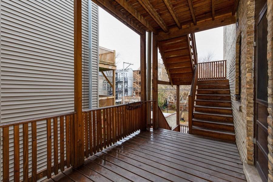 Real Estate Photography - 652 Aldine, #2, Chicago, IL, 60657 - Deck