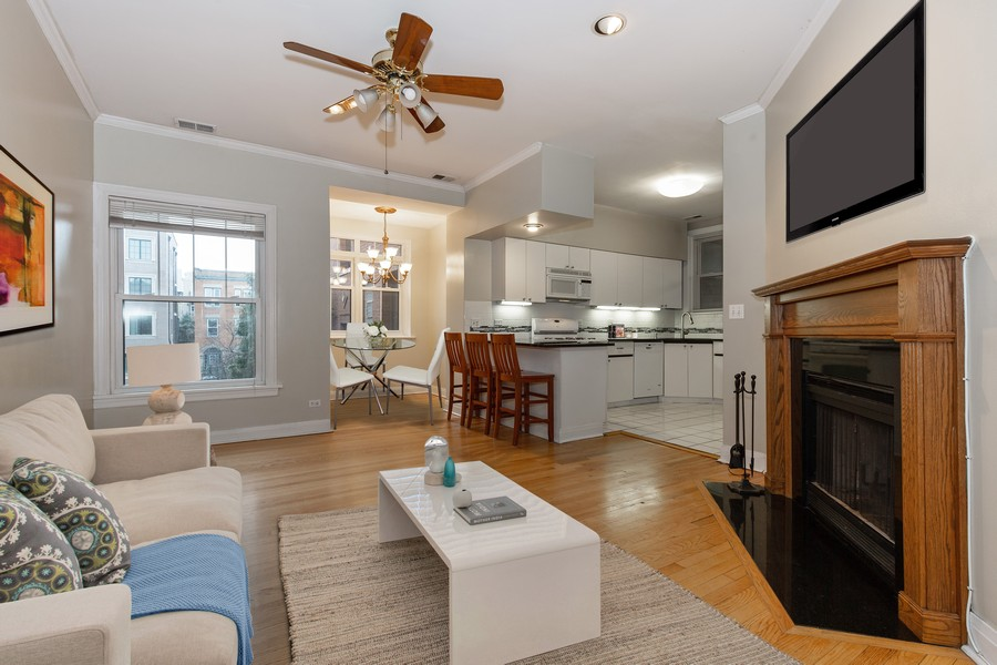 Real Estate Photography - 652 Aldine, #2, Chicago, IL, 60657 - Main Living Area