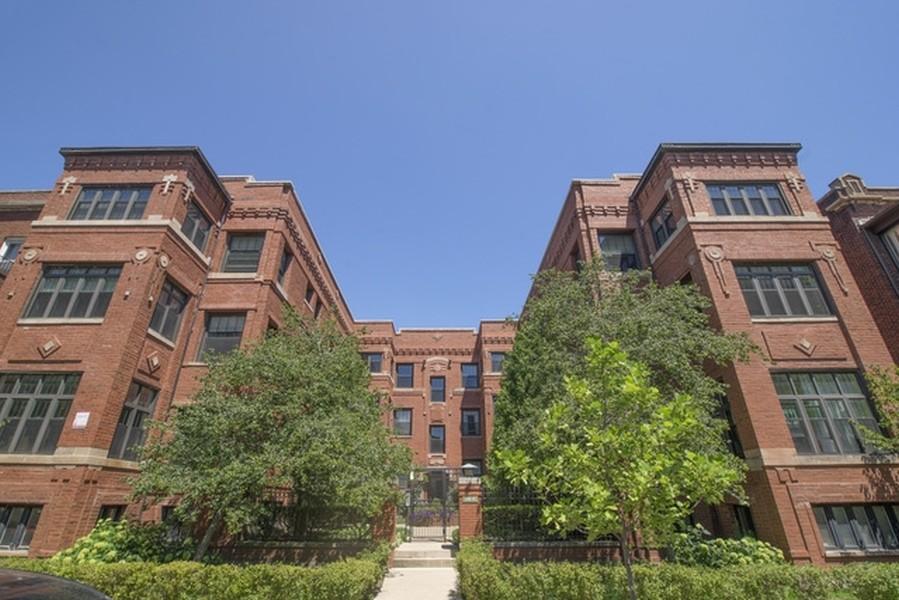 Real Estate Photography - 652 Aldine, #2, Chicago, IL, 60657 -