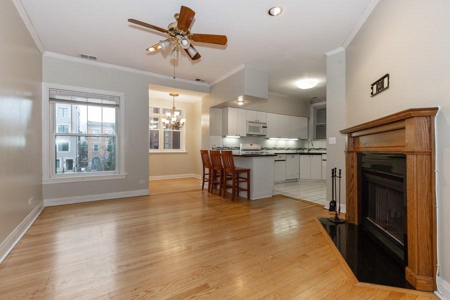 Real Estate Photography - 652 Aldine, #2, Chicago, IL, 60657 - Kitchen / Living Room