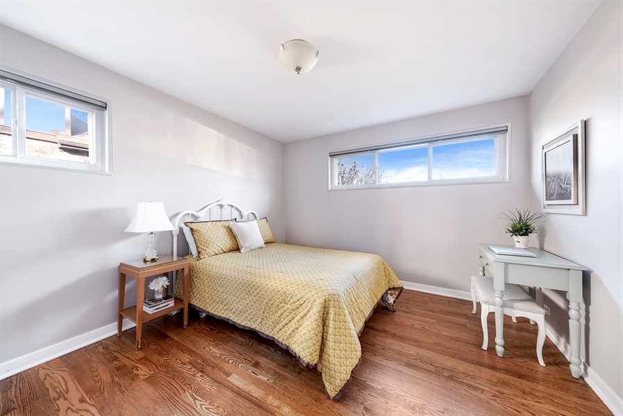 Real Estate Photography - 848 Meadowlark, Glenview, IL, 60025 - 2nd Bedroom