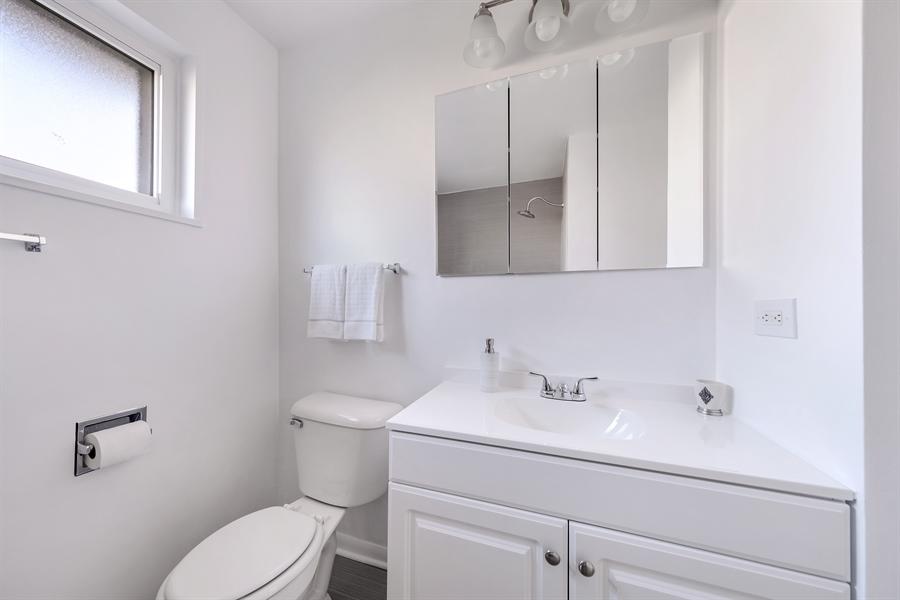Real Estate Photography - 848 Meadowlark, Glenview, IL, 60025 - Bathroom