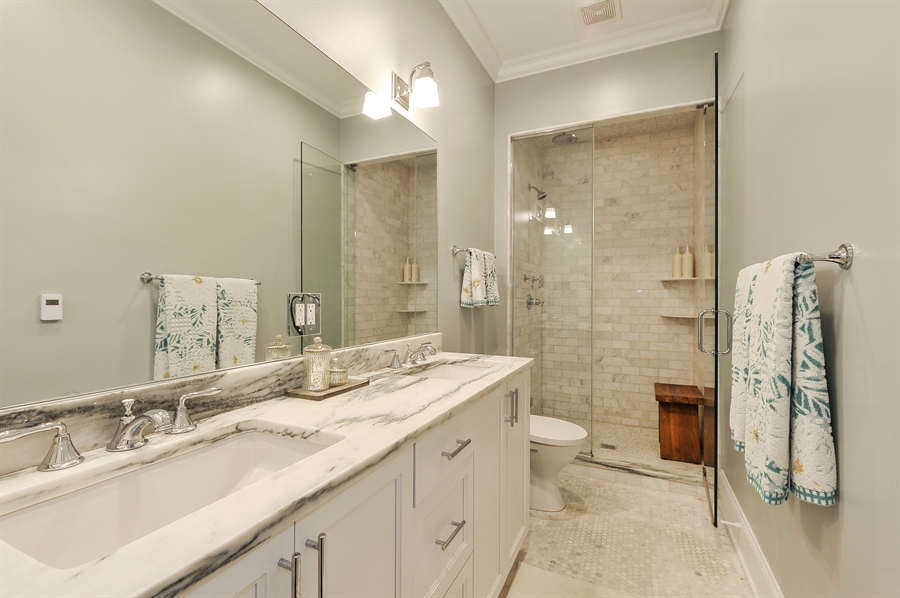 Real Estate Photography - 2769 N Kenmore Ave, Unit 2, Chicago, IL, 60614 - Master Bathroom