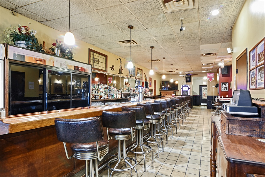 Real Estate Photography - 3144 W Irving Park Rd, Chicago, IL, 60618 - Bar