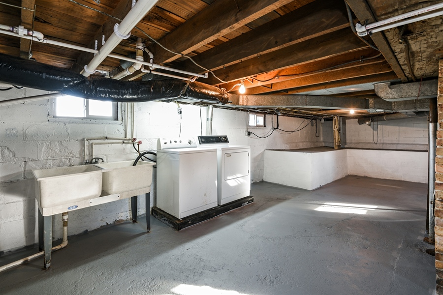 Real Estate Photography - 6040 Lincoln Avenue, Stevensville, MI, 49127 - Laundry Room