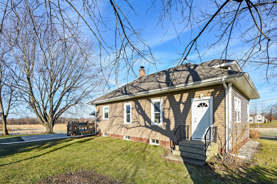 Real Estate Photography - 6040 Lincoln Avenue, Stevensville, MI, 49127 - Front View