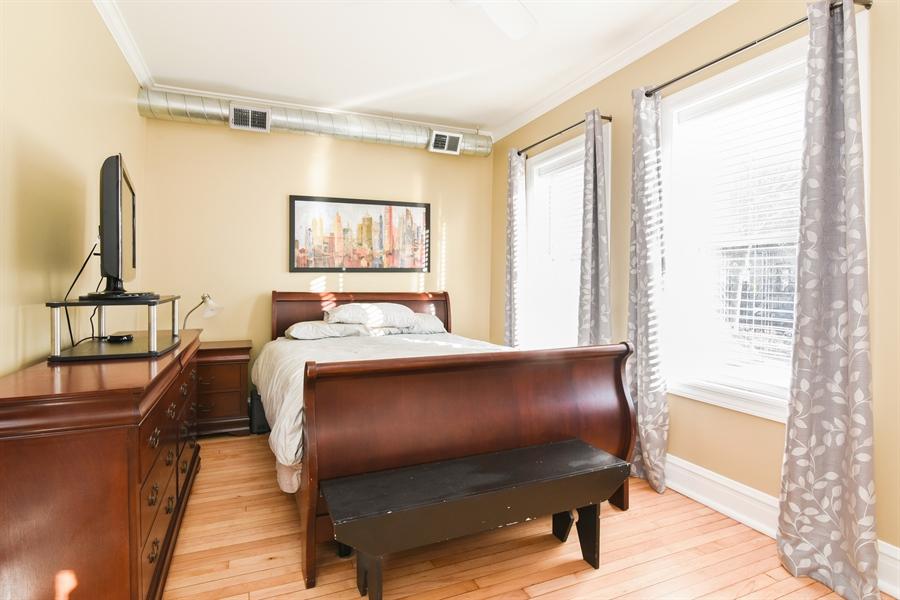 Real Estate Photography - 1606 W Carmen Ave, 1E, Chicago, IL, 60640 - Bedroom