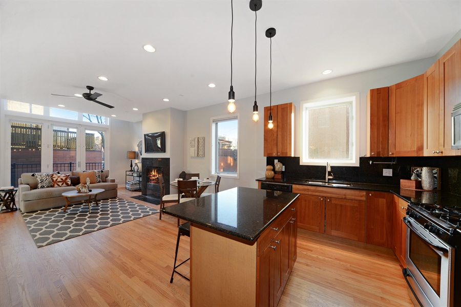 Real Estate Photography - 1101 N. Hermitage, 1R, chicago, IL, 60622 - Kitchen