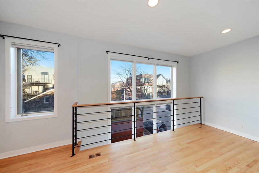 Real Estate Photography - 1101 N. Hermitage, 1R, chicago, IL, 60622 - Loft