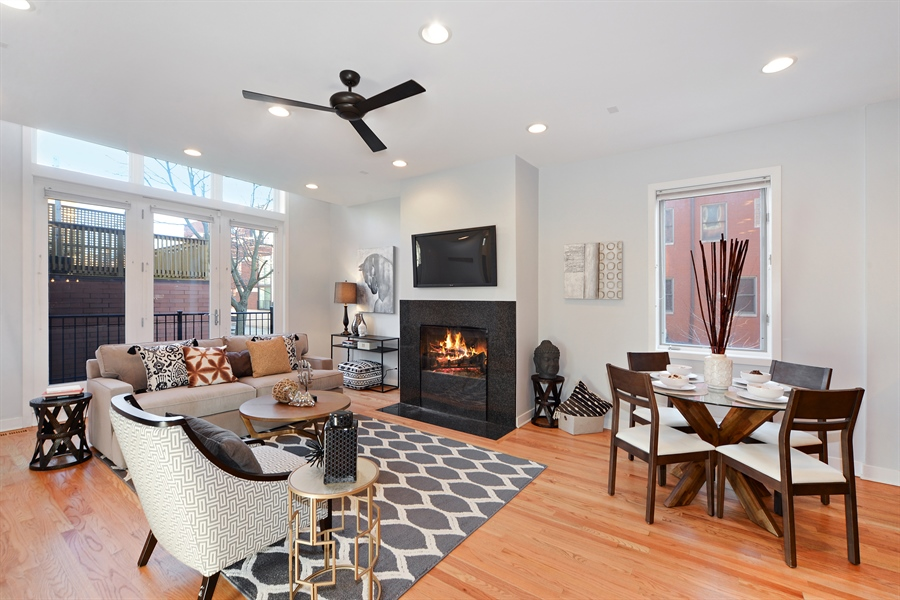 Real Estate Photography - 1101 N. Hermitage, 1R, chicago, IL, 60622 - Living Room / Dining Room