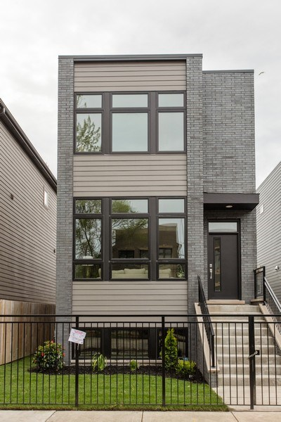 Real Estate Photography - 4618 South Champlain, Chicago, IL, 60653 - Front View