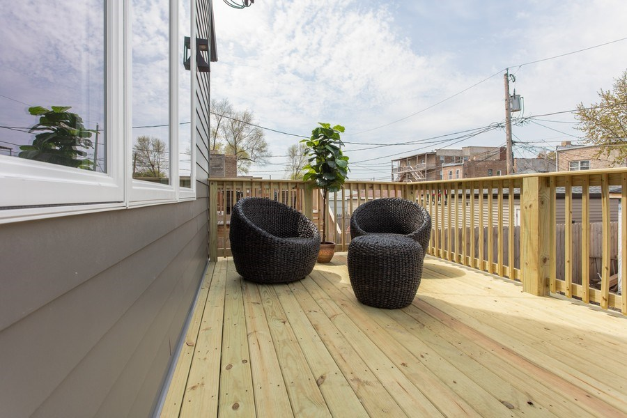 Real Estate Photography - 4618 South Champlain, Chicago, IL, 60653 - Deck