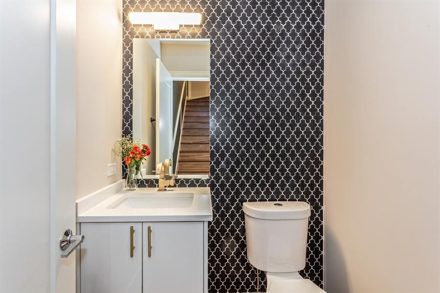 Real Estate Photography - 519 East 46th, Chicago, IL, 60653 - Powder Room