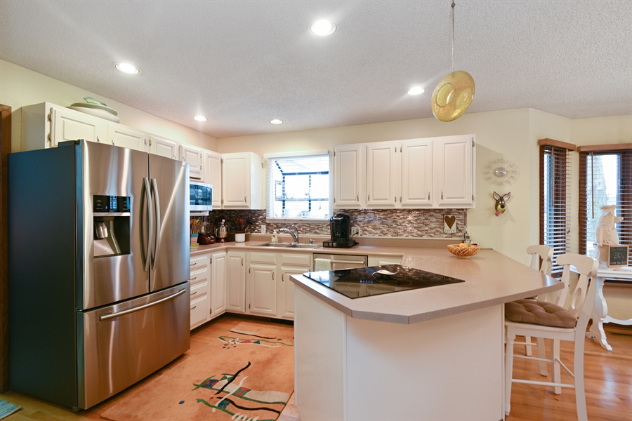Real Estate Photography - 4028 Ravina Ter, St Joseph, MI, 49085 - Kitchen