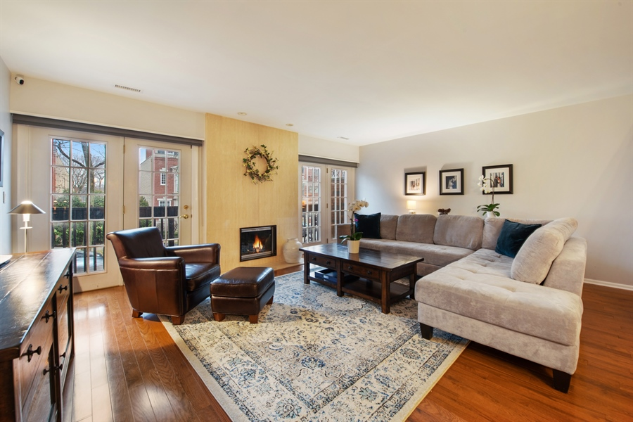 Real Estate Photography - 2129 N Magnolia, Unit A, Chicago, IL, 60614 - Living Room