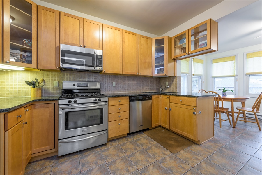 Real Estate Photography - 4235 N Montecello, Chicago, IL, 60618 - Kitchen