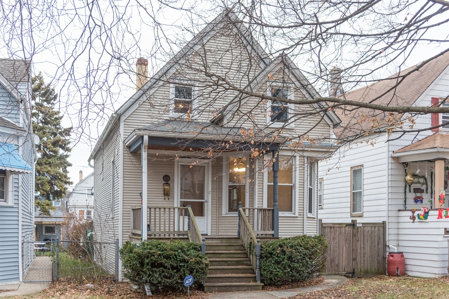 Real Estate Photography - 4235 N Montecello, Chicago, IL, 60618 - Front View