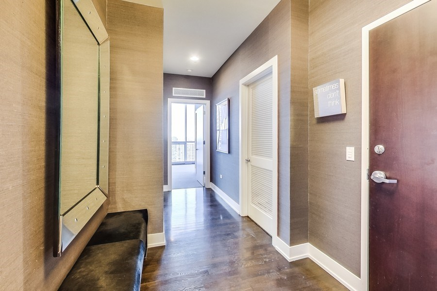 Real Estate Photography - 110 W Superior, 2501, Chicago, IL, 60654 - Entry Foyer