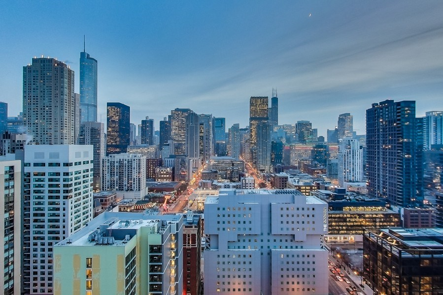 Real Estate Photography - 110 W Superior, 2501, Chicago, IL, 60654 -