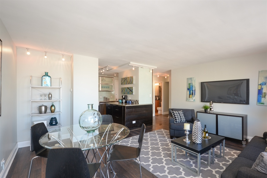 Real Estate Photography - 450 W Briar Pl, Unit 13G, Chicago, IL, 60657 - Living Room