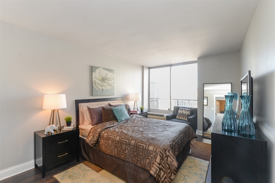 Real Estate Photography - 450 W Briar Pl, Unit 13G, Chicago, IL, 60657 - Master Bedroom