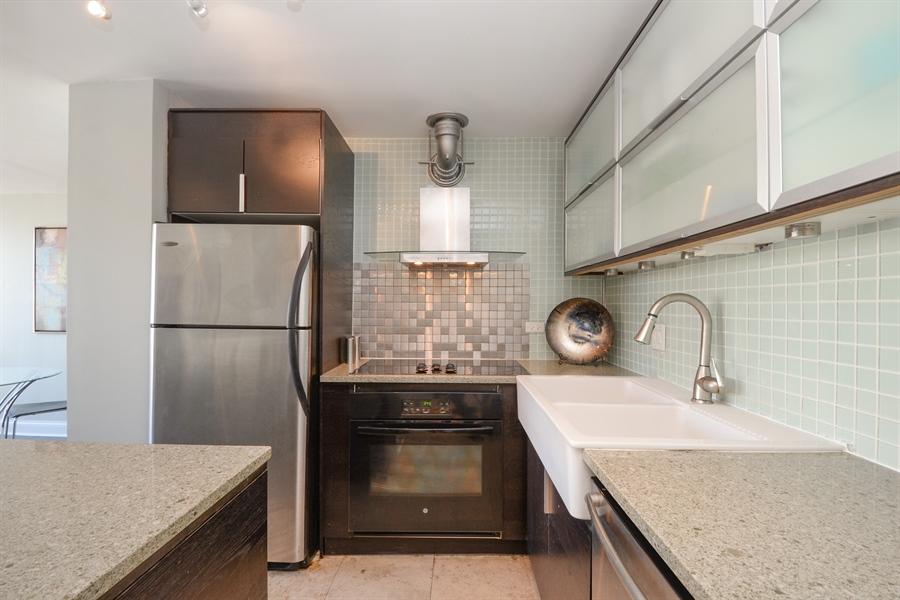 Real Estate Photography - 450 W Briar Pl, Unit 13G, Chicago, IL, 60657 - Kitchen