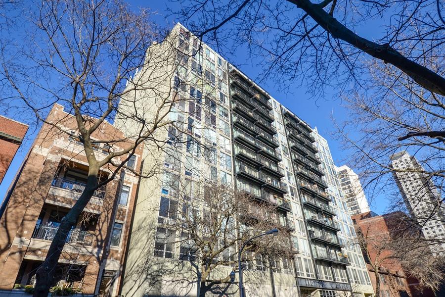 Real Estate Photography - 450 W Briar Pl, Unit 13G, Chicago, IL, 60657 - Front View