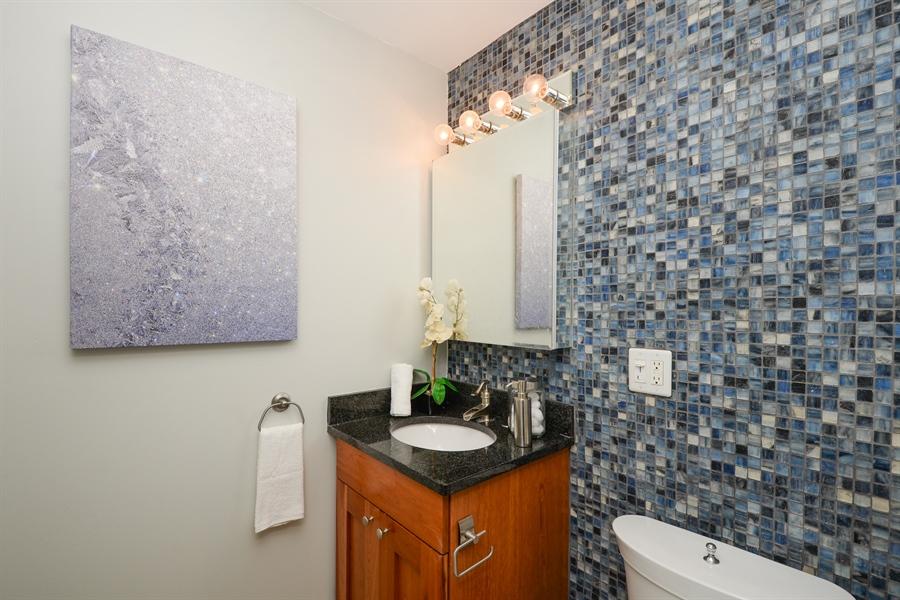 Real Estate Photography - 450 W Briar Pl, Unit 13G, Chicago, IL, 60657 - Bathroom