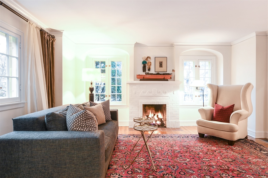 Real Estate Photography - 1935 Thornwood Ave, Wilmette, IL, 60091 - Living Room