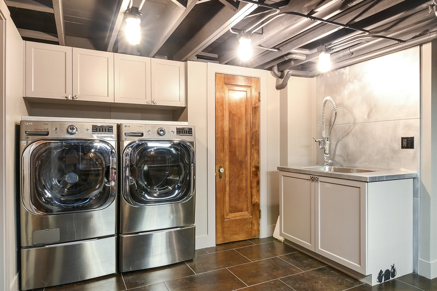Real Estate Photography - 1935 Thornwood Ave, Wilmette, IL, 60091 - Laundry Room