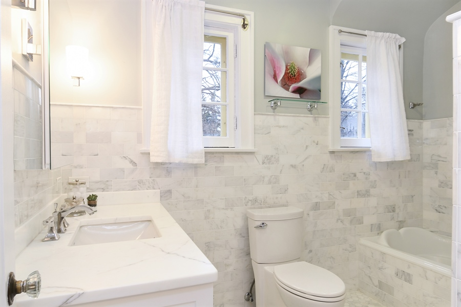 Real Estate Photography - 1935 Thornwood Ave, Wilmette, IL, 60091 - 2nd Bathroom