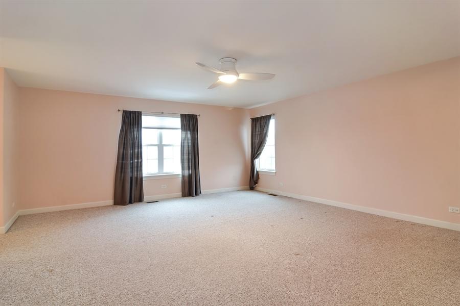 Real Estate Photography - 2360 Stonybrook, Wauconda, IL, 60084 - Master Bedroom