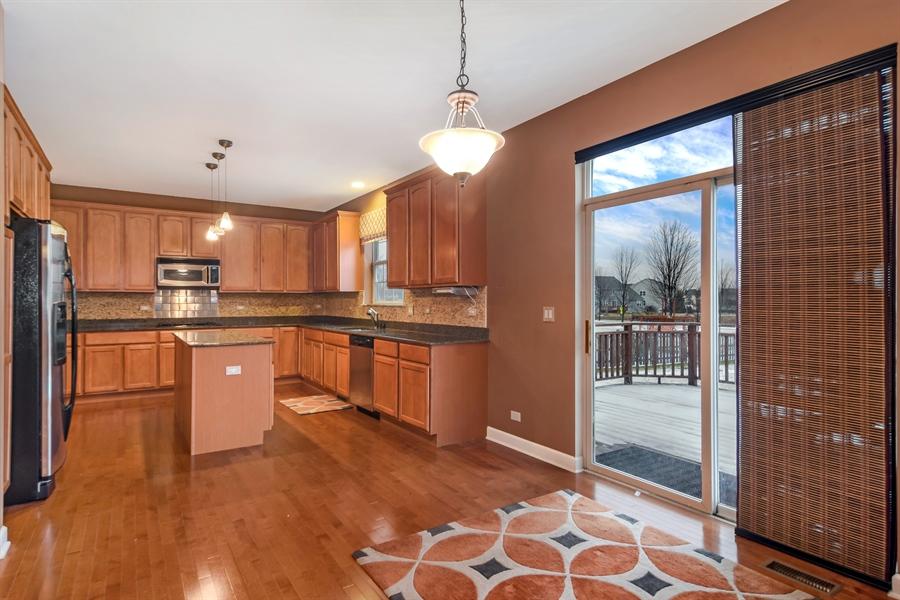 Real Estate Photography - 2360 Stonybrook, Wauconda, IL, 60084 - Kitchen / Breakfast Room