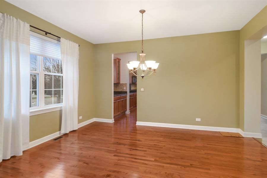 Real Estate Photography - 2360 Stonybrook, Wauconda, IL, 60084 - Dining Room