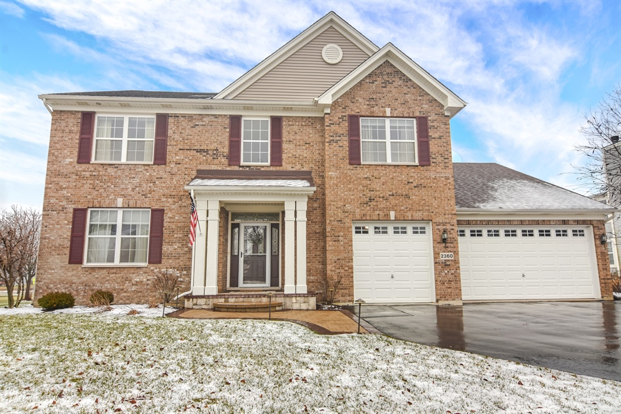 Real Estate Photography - 2360 Stonybrook, Wauconda, IL, 60084 - Front View