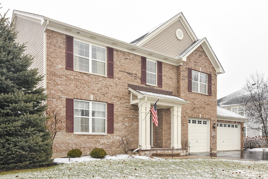 Real Estate Photography - 2360 Stonybrook, Wauconda, IL, 60084 - Side View