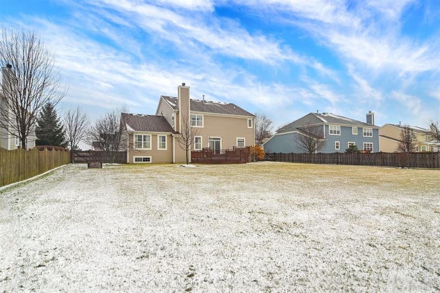 Real Estate Photography - 2360 Stonybrook, Wauconda, IL, 60084 - Rear View