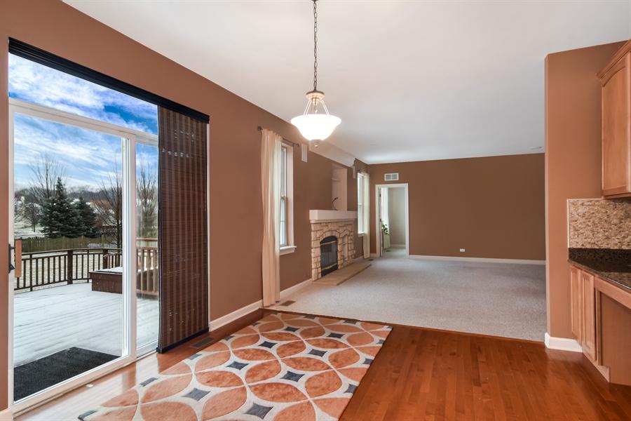 Real Estate Photography - 2360 Stonybrook, Wauconda, IL, 60084 - Breakfast Nook