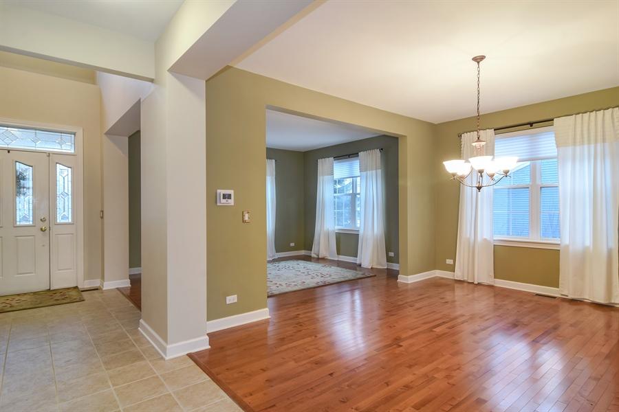 Real Estate Photography - 2360 Stonybrook, Wauconda, IL, 60084 - Entryway